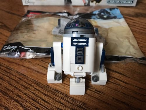 R2-D2 Polybag DIY Instructions