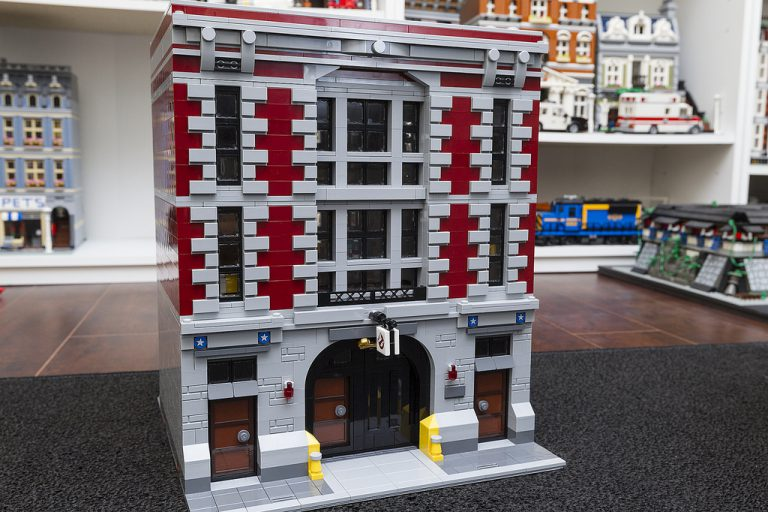 Awesome Modular Ghostbusters Firehouse Rebuild