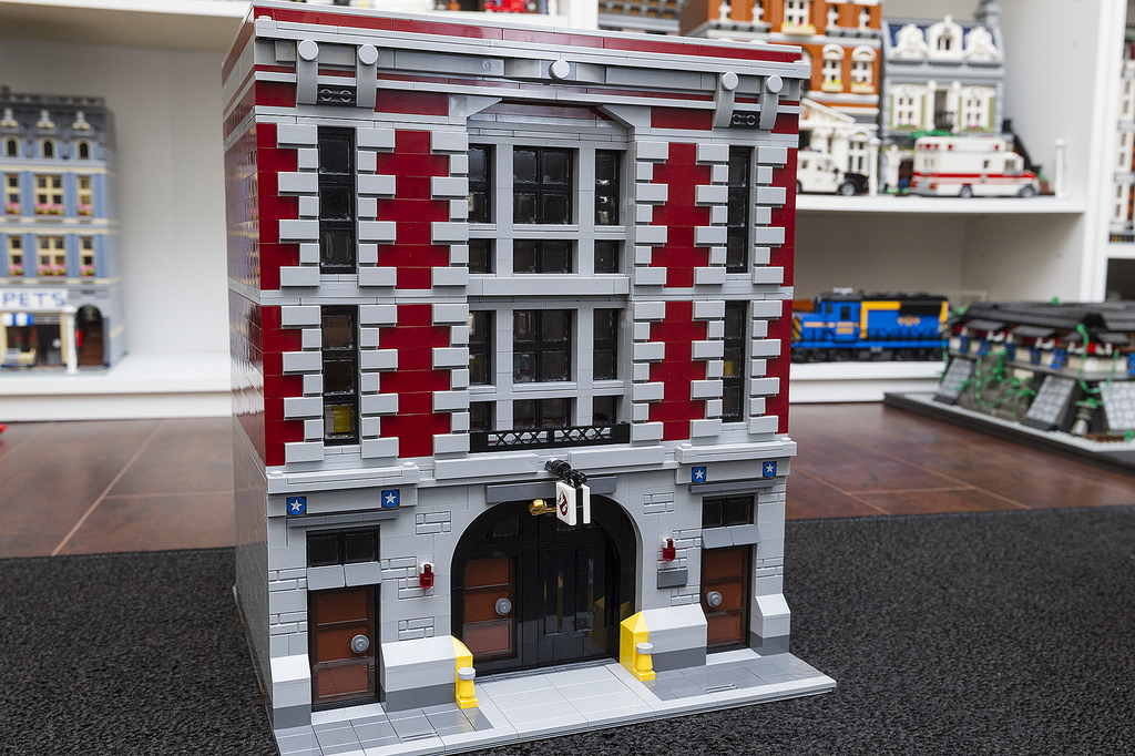 Awesome Modular Ghostbusters Firehouse Rebuild Brick Brains
