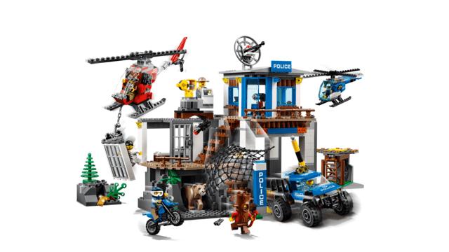 2018 LEGO Mountain Police