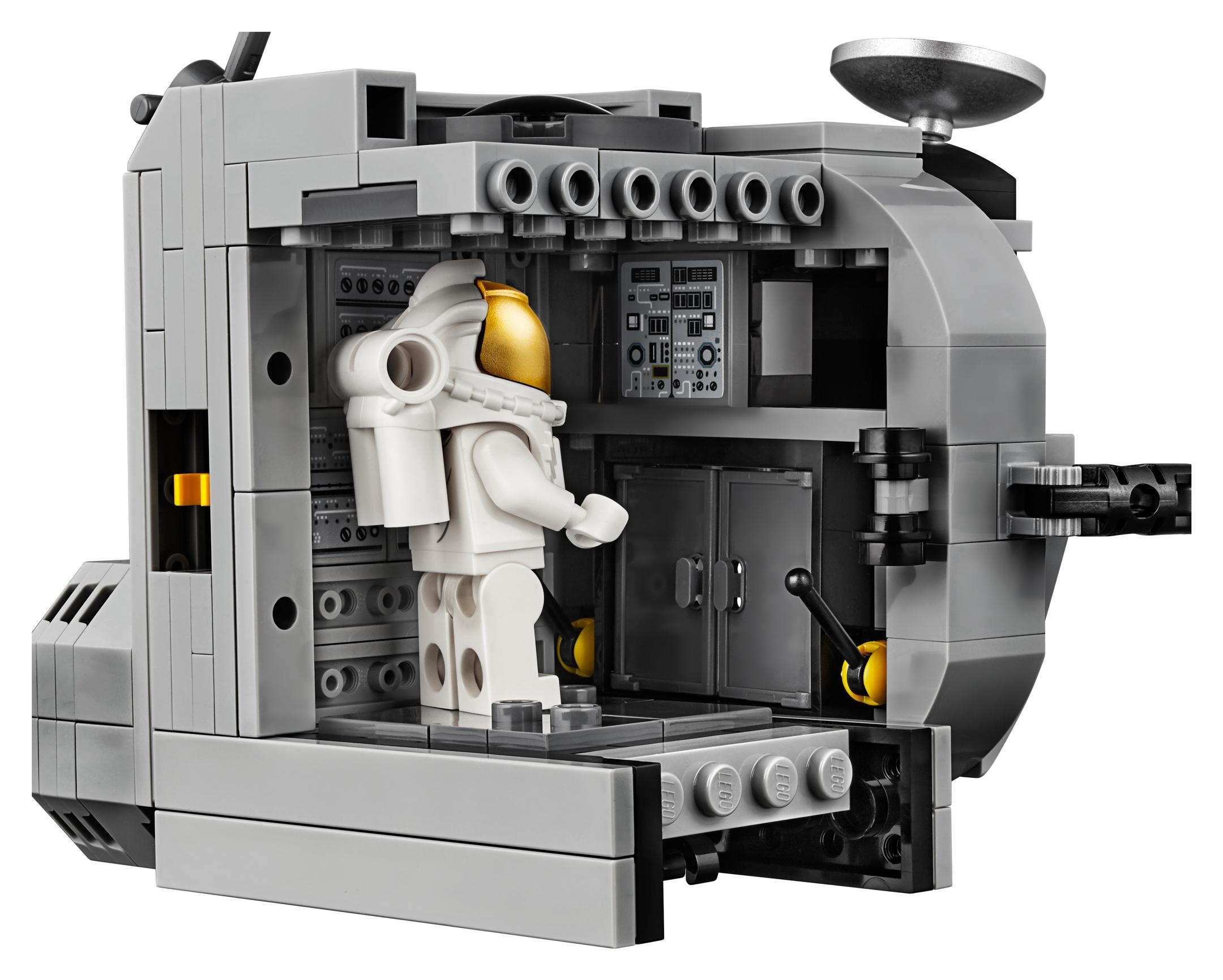 lego creator expert 10266 nasa apollo 11 lunar lander 16. Black Bedroom Furniture Sets. Home Design Ideas